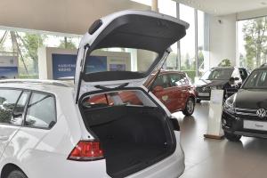 进口大众高尔夫旅行轿车 行李厢开口范围