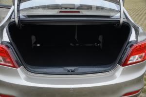 景逸S50行李箱空间图片