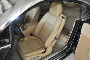 魅影驾驶员座椅图片