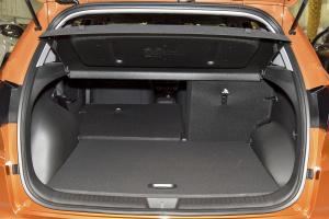 ix25行李箱空间(后排左放倒)