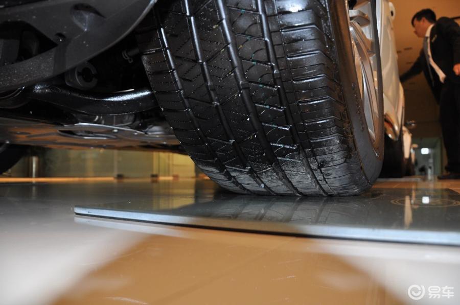 svr版轮胎花纹汽车图片-汽车