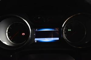 威朗轿跑 仪表盘背光显示