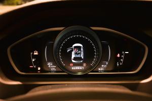 沃尔沃V40 Cross Country仪表盘背光显示图片