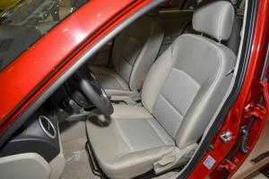 悦翔V3驾驶员座椅图片