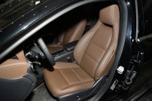 奔驰GLA级驾驶员座椅图片