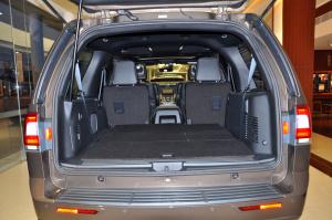进口领航员              行李箱空间