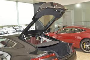 阿斯顿·马丁V8 Vantage 行李厢开口范围