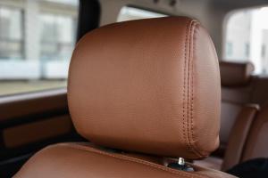 北汽威旺M35驾驶员头枕图片