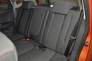 CX20后排座椅