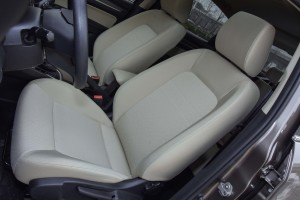 奔腾B30驾驶员座椅图片