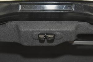 5082015款 1.8THP 自动 旗舰版 外观碳晶黑 内饰黑色