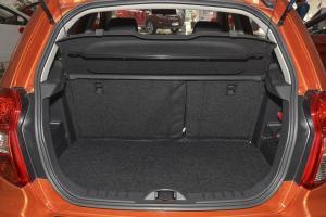 CX20行李箱空间