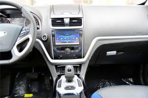 帝豪EV300中控台整体