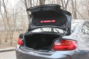 进口宝马M2 行李厢开口范围