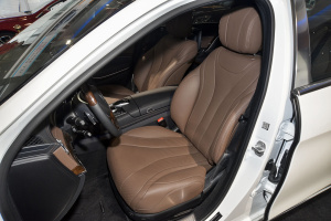 迈巴赫S级驾驶员座椅