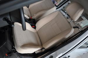 V77驾驶员座椅图片