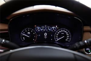 凯迪拉克XT5仪表盘背光显示图片