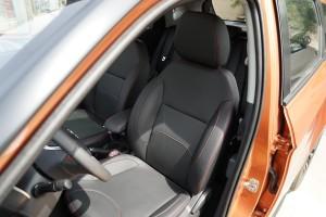 中华V3驾驶员座椅图片