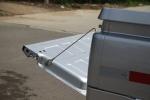 神骐F30                行李厢支撑杆