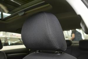 奥迪A3驾驶员头枕图片