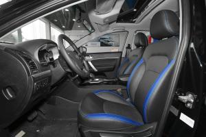 帝豪EV300前排空间