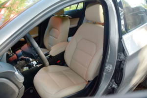 英菲尼迪QX30驾驶员座椅图片