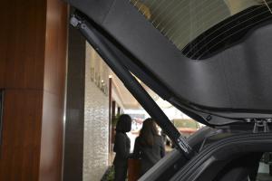 进口林肯MKX            行李厢支撑杆