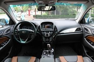 比亚迪秦EV300 完整内饰(中间位置)