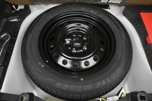 天语SX4两厢              备胎