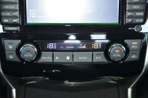 天籁中控台空调控制键图片