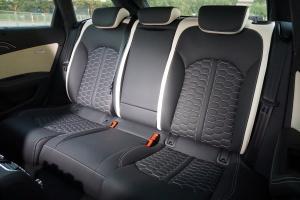奥迪RS6后排座椅图片