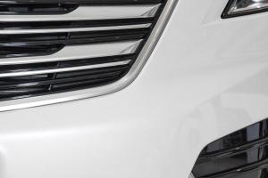 凯迪拉克XT5              XT5 外观-钻白