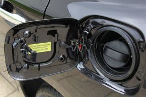Z300油箱盖