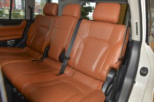 雷克萨斯LX后排座椅图片