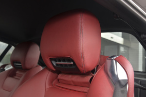 奔驰SL级驾驶员头枕图片