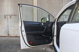瑞风S3驾驶员侧车门内门板