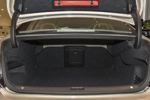 进口沃尔沃S90 行李箱空间