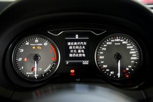 奥迪S3仪表盘背光显示图片