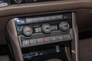 柯迪亚克中控台空调控制键