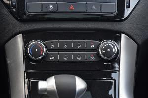 圣达菲中控台空调控制键