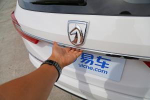 310W宝骏310Wagon 1.5L 手动时尚型 糖果白