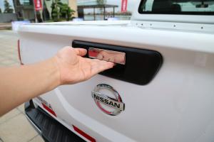 纳瓦拉2017款 2.5L 自动 四驱 豪华版 外观优雅白 内饰深色