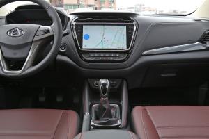 欧尚A800中控台正面图片