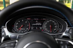 奥迪RS 6仪表盘图片