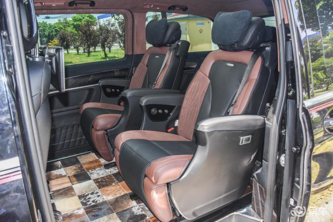 Lorinser VSLorinser VS后排座椅
