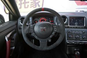日产GT-R方向盘图片