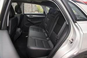 众泰SR7后排座椅图片