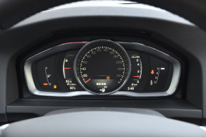 沃尔沃S60L仪表盘图片
