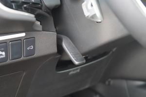 欧蓝德2018款 三菱欧蓝德 2.4L 四驱7座尊贵版(保密)