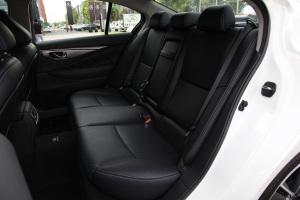 英菲尼迪Q50L后排座椅图片